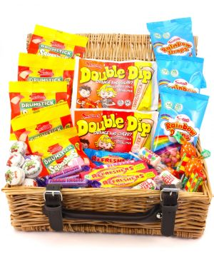 Retro Wicker Sweet Hamper 970g
